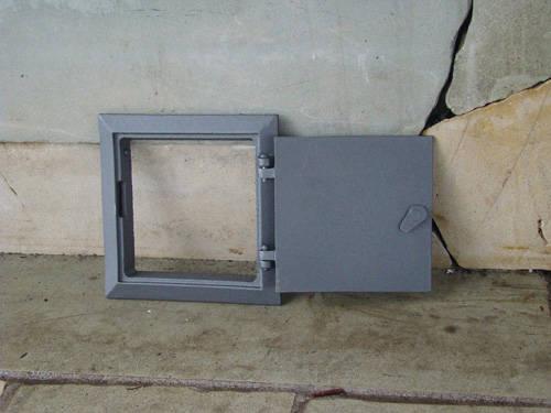 H1703 - Чугунная дверца