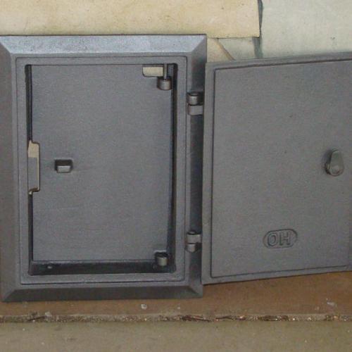 H1707 - Дверца прочистки с узором и дополнительной дверцей